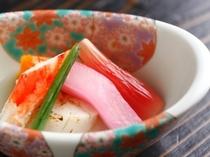 【酢の物】たらば蟹と帆立の吉野酢仕立て