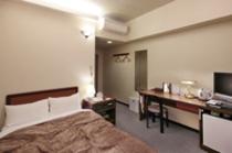 ◇セミダブル◇14平米・ベッド幅120cm・全室個別空調・無線LAN・ウォシュレット・空冷蔵庫完備