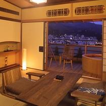無垢材を使った飛騨家具を設えた露天風呂付き客室