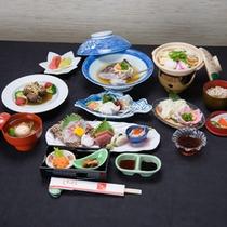 *お夕食一例/有明の海の幸と島原の自然の恵みを活かした会席料理に舌鼓。