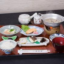 *ご朝食一例/小鍋でお出しする貝やアオサのお味噌汁など、島原の食材を活かした朝食をどうぞ。