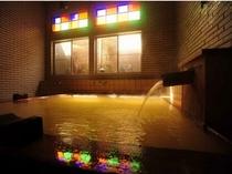 源泉掛け流し100%の湯 檜風呂