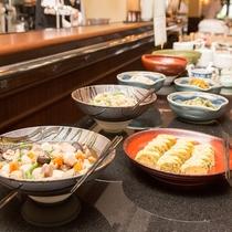ほっとするやさしい味付けの和食には、素材だけでなく品数にもこだわりました。