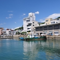 【住吉浜】1741年に町奉行・平山角左衛門が築港計画を立て完成。北前船が寄港するようになりました。