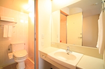 洗面化粧台とトイレ