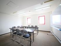 会議室(1時間1080円・要予約)