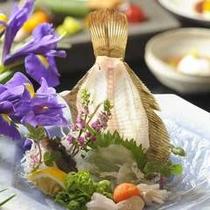 【夏】日本料理 富貴野では、四季折々の季節感溢れる懐石メニューをご用意しております。