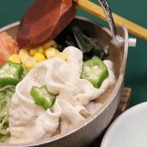 【鍋】夏は冷たい「冷しゃぶ鍋」をご提供いたします。