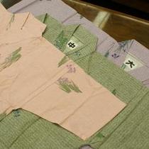 館内着の作務衣。チェックイン時にお選び下さい。