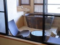 デッキ付露天風呂付客室
