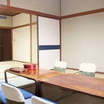 【お部屋】街側 二間続き和室(20畳)/グループ旅行に最適!