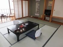 西館和室12.5畳【眺望:レイクビュー】