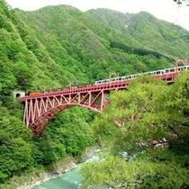 「黒部渓谷トロッコ電車」最高の景色をご堪能ください♪