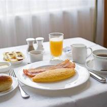 ルームサービスでゆったりとしたご朝食を
