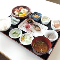 【朝食一例】一汁三菜をベースにバランスの取れた内容をご用意!