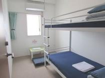 個室2人用(2段ベッド) の一例