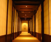 食事処前廊下