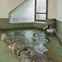 温泉で疲れた身体を芯からポカポカに♪