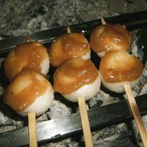 南信州特産の焼きたて「五平餅」
