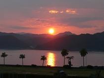 お部屋から見える夕焼けは、まるでハワイのような夕焼けです