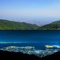 神戸市街から大阪湾に広がる雄大な景色