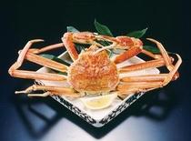 ずわいがに姿盛り 甲羅の味噌も味わえます。蟹酢でどうぞ。