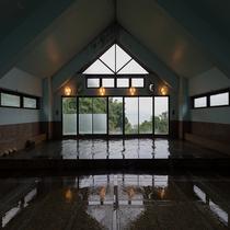 九十九島と西海が眺められる展望大浴場