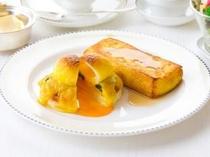 ルームサービスご朝食 プラン限定メニュー 「伝統のフレンチトーストとエッグベネディクト」 イメージ