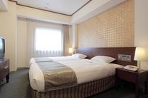 スイート ベットルーム(120cm幅ベッド・44平米)