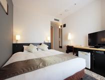 ダブルルーム(18平米・160cm幅のベッド)