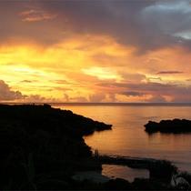 *【目の前に広がる絶景】同じ景色は二度とありません!毎日見ても飽きない西表の夕暮れ。
