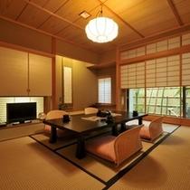 ■【特別室(和室8+7.5畳)+檜の内湯】落ちついて居心地の良い坪庭に面した居室