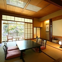 ■【和室10畳+内湯/2階】居室一例