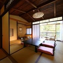 ■【和室10畳+内湯/2階】落ち着いた居室