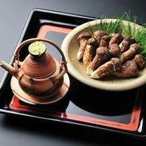 ■別注料理(一例)松茸の土瓶蒸し