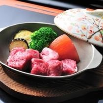 ■別注料理(一例)和牛サイコロステーキ