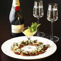 【夕食一例】*ご要望に応じて、豊富なドリンクもご用意しております。※要予約。