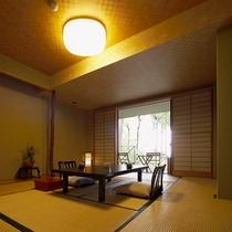 【本館:蘇芳-suou-】*当館一階に位置する客室。お部屋に入った瞬間、別世界に早変わり。