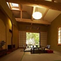 【本館:紅紫-koshi-】*採光に工夫を凝らした客室。檜の香る専用露天風呂にてごゆっくりと。