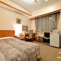 *シングル(客室一例)/ビジネスや一人旅に◎清潔にしつらえたベッドで安眠の夜を。