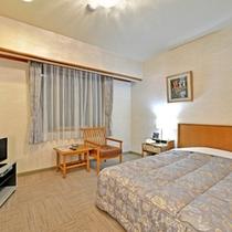 *デラックスシングル(客室一例)/ビジネスや一人旅に◎充分にお寛ぎいただけるお部屋です。