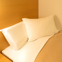 禁煙部屋には2種類の枕が常備されています。お客様の声、ホテルスタッフの声を取り入れた客室です。