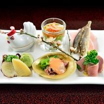 *夕食一例/見た目にもパッと美しい前菜が並びます。