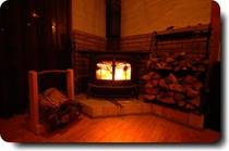ほっこりぽかぽか薪ストーブで暖か。
