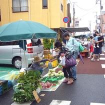 勝浦朝市の風景