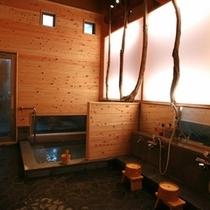 ■女性内風呂■ 【備品】シャワー・カラン3組セット、シャンプー・リンス・ボディーソープ各3種類