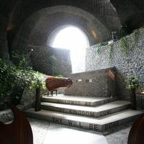 【石の教会】 石とガラスでできた「石の教会」本当に素敵な教会です。車で3分