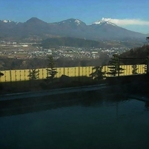 【あぐりの湯こもろ】浅間連山が一望できる絶景露天風呂。車で30分