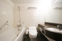 県内で1番大きいバスタブとウォシュレット付きトイレと広い洗面台