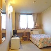 *【シングル(和風館)】セミダブルベッドのゆったりとお寛ぎいただけるお部屋です